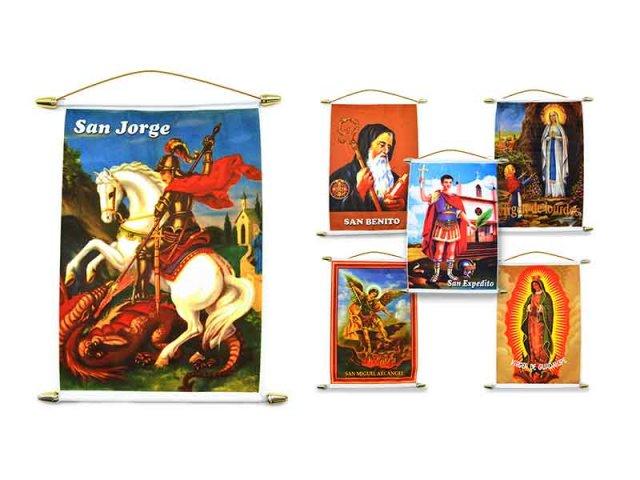 Producto #2411       BANDERIN CUADRADOS COLOR SANTORAL 35X20 CM